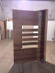 Porta pivotante de madeira - Entrada - Portalmad