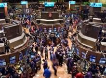 Bolsa de valores… o que é isso? Obviamente que não é a bolsa de pele cheia de dinheiro nem? Claro que não… A Bolsa de valores é uma instituição, um espaço, onde se encontra procura e oferta de valores a serem negociados
