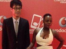 Na gala dos prémios vibratoques da Vodacom Lourena Nhate apareceu acompanhada por um chinês e logo depois das fotos se espalharem nas redes sociais os internautas começaram