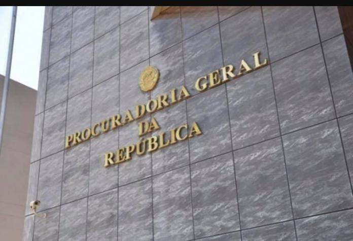 Tomei conhecimento que desde ontem cedo toda a Procuradoria-Geral da República (PGR) e o seu braço, a Procuradoria da Cidade, andam agitadas