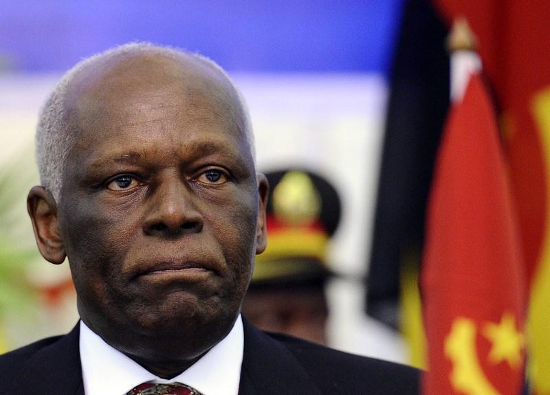 Ministro angolano nega que José Eduardo dos Santos tenha sofrido um AVC
