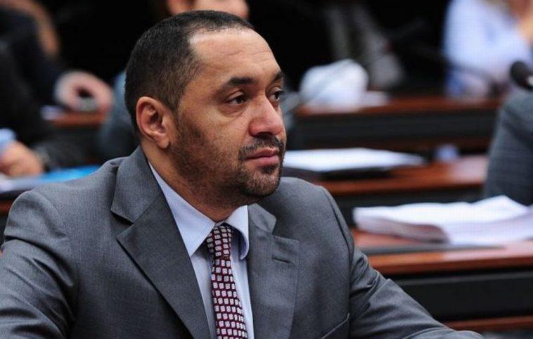 Tiririca é citado na operação Lava Jato: Delcídio do Amaral contou o envolvimento do palhaço neste escândalo