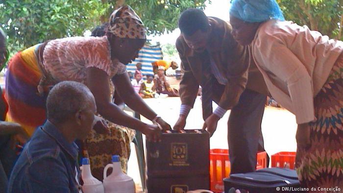 """UM jovem foi obrigado a fazer o """"lobolo"""" do cadáver da sua esposa, como condição para efectuar cerimónias fúnebres, na cidade de Inhambane, em Moçambique."""