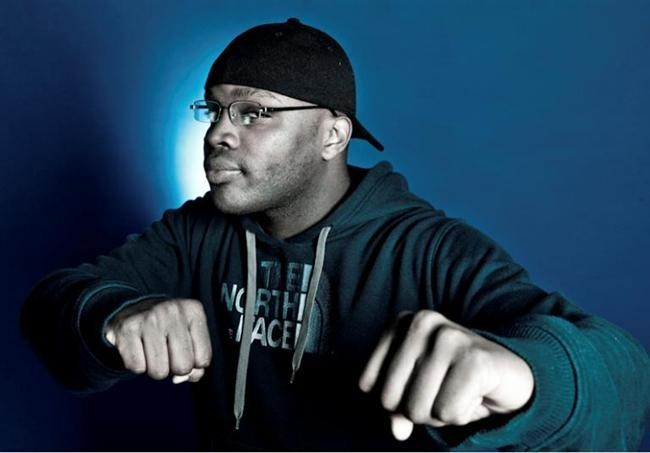 O rapper português Valete voltou ao microfone munido de vários engenhos, e atirou sem piedade barras para o rapper Prodígio membro do grupo Força Suprema.