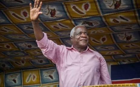 Afonso Dhlakama diz que vai seguir o exemplo de Nelson Mandela quando ele estiver no poder: Não fará vingança Politica