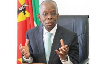 O Ministro da Economia e Finanças, Adriano Maleiane, garantiu que o Governo tudo está a fazer para conseguir o pagamento do décimo terceiro vencimento