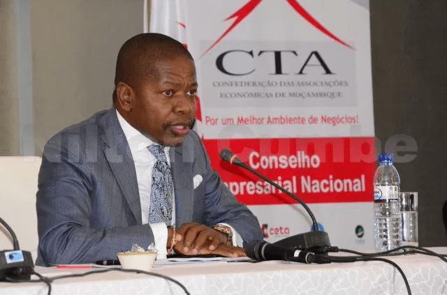 Vuma sugere suspensão de 13º e congelamento de aumentos salariais em 2018