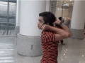 Mohamed Sameer, um menino de 14 anos da cidade de Karachi (Paquistão) tem uma elasticidade incrível que lhe permite virar a cabeça 180 graus sem dificuldade