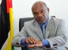 Carlos Mesquita testou a segurança da nova companhia aérea levando a família no voo inaugural. Viajou seguro de Maputo à Beira, mas nem por isso deixou de dar recomendações