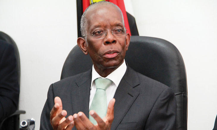 Governo explica a necessidade da reestruturação com o argumento de que apesar do ajustamento fiscal empreendido, o serviço da dívida continua um grande fardo para as contas públicas