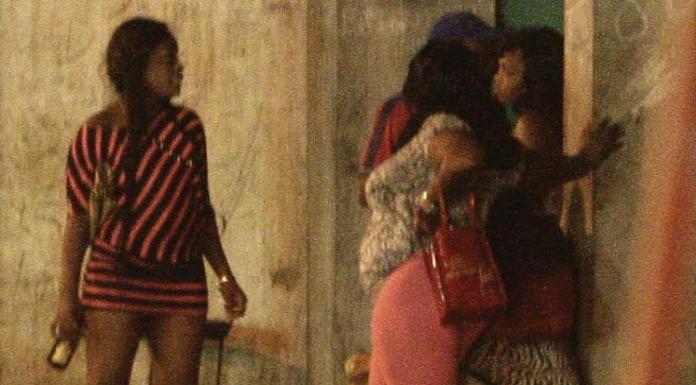 Prostitutas da região centro de Moçambique, concretamente no distrito de Gondola, posto administrativo de Inchope em Manica clamam pela abertura de clínicas nocturnas
