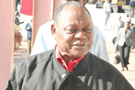 Segundo o jornal Dossiers & Factos,o embondeiro do partido Frelimo , Alberto Chipande, encontra-se hospitalizado na África do Sul