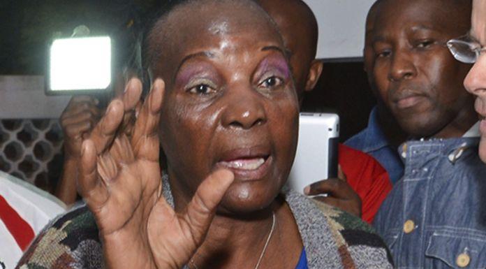 A antiga presidente da Liga dos Direitos Humanos (LDH) de Moçambique foi acusada de desvio de fundos pela direcção interina do