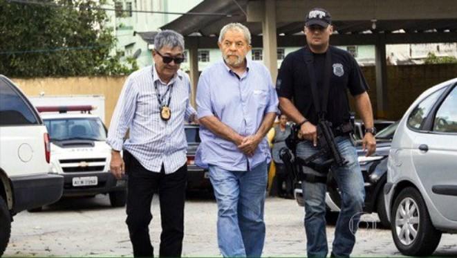 O Partido dos Trabalhadores (PT) pediu na terça-feira ao ministro da Segurança Pública que a confecção das refeições de Lula da Silva na prisão usufrua de cuidados especiais