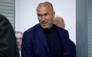 """O treinador do Real Madrid Zinedine Zidane vai deixar o clube madrileno, anunciou hoje em conferência de imprensa garantindo não estar """"à procura de outra"""