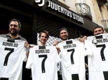 Os efeitos da transferência que abalou o mercado do futebol nesta terça-feira já foram vistos no site oficial da Juventus.