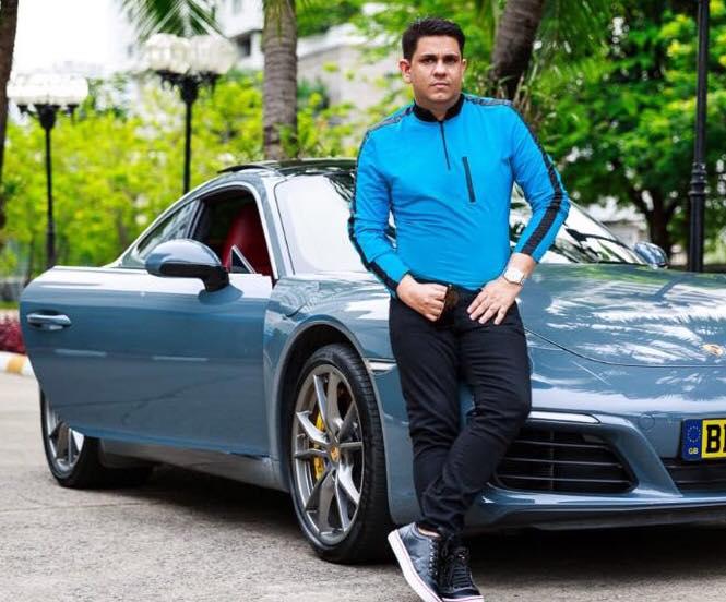 Momade Assife Abdul Satarmais conhecido por Nini Satar foi preso Tailândia, na altura da sua detenção Nini se fazia portar de um passaporte falso.