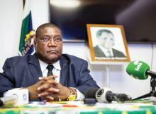 O general Ossufo Momade foi eleito presidente do partido Renamo na madrugada de hoje. O presidente eleito do maior partido da oposição obteve 410 votos, seguido de Elias Dhlakama, que ficou com 238 votos e Manuel Bissopo com 7.