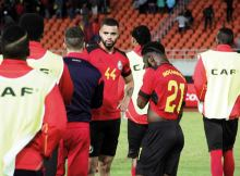 Moçambique estreou-se com derrota na Taça COSAFA que decorre em Durban, na África do Sul, ao vergar diante da Namíbia que venceu por 1-2 e manteve-se invencível diante dos Mambas.