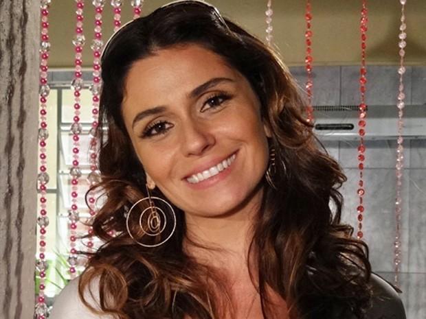 73019483a Luzia (Giovanna Antonelli) leva uma vida simples e feliz na fictícia ilha  de Boiporã em Segundo Sol. Batalhadora e sempre com semblante alegre