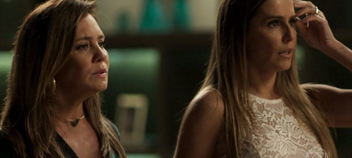 Laureta (Adriana Esteves) and Karola (Deborah Secco) in the second sun