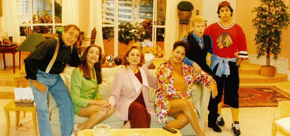 O elenco original do Sai de Baixo, que estreou em 1996 na Globo (Reprodução)