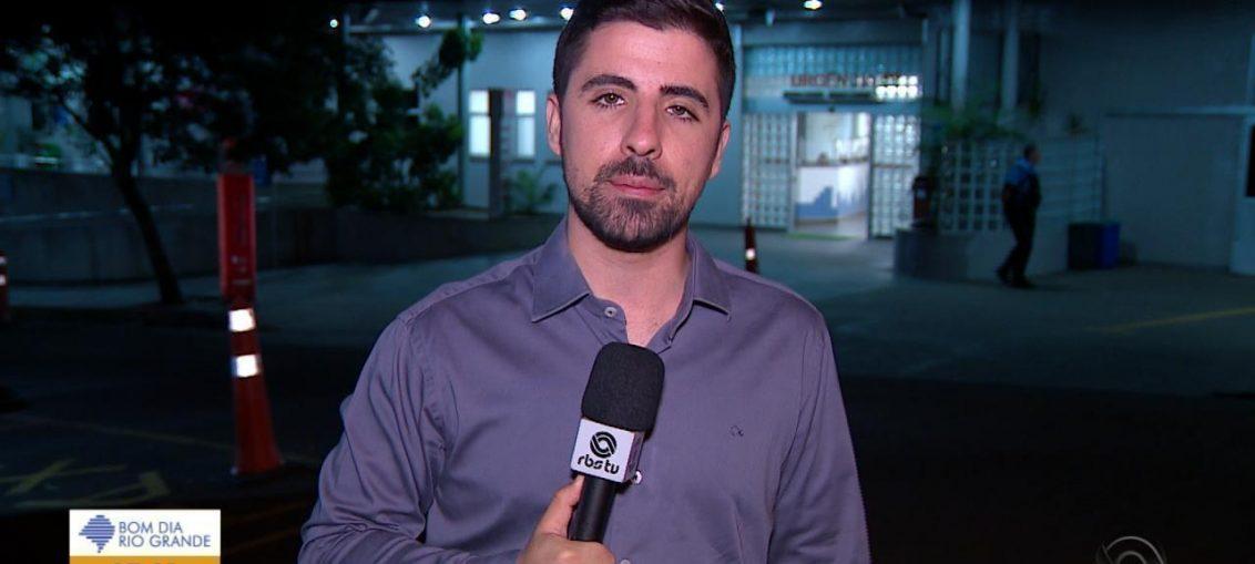 Repórter Da Globo Recebe Golpe De Luta E Vai Ao Chão Durante
