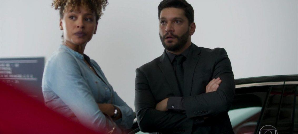 Gisele (Sheron Menezzes) e Diogo (Armando Babaioff) em Bom Sucesso (Reprodução / TV Globo)