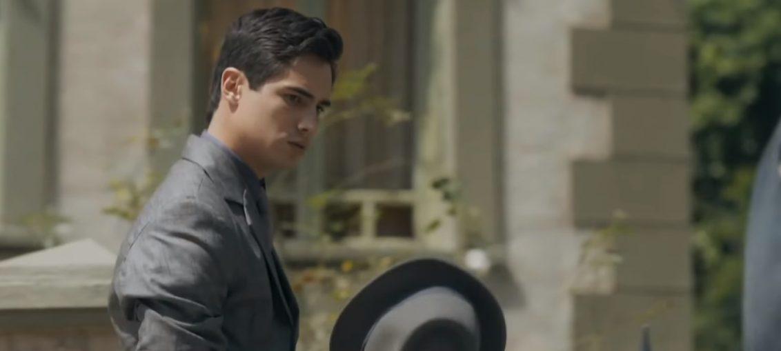 Carlos (Danilo Mesquita) em Éramos Seis (Reprodução / TV Globo)