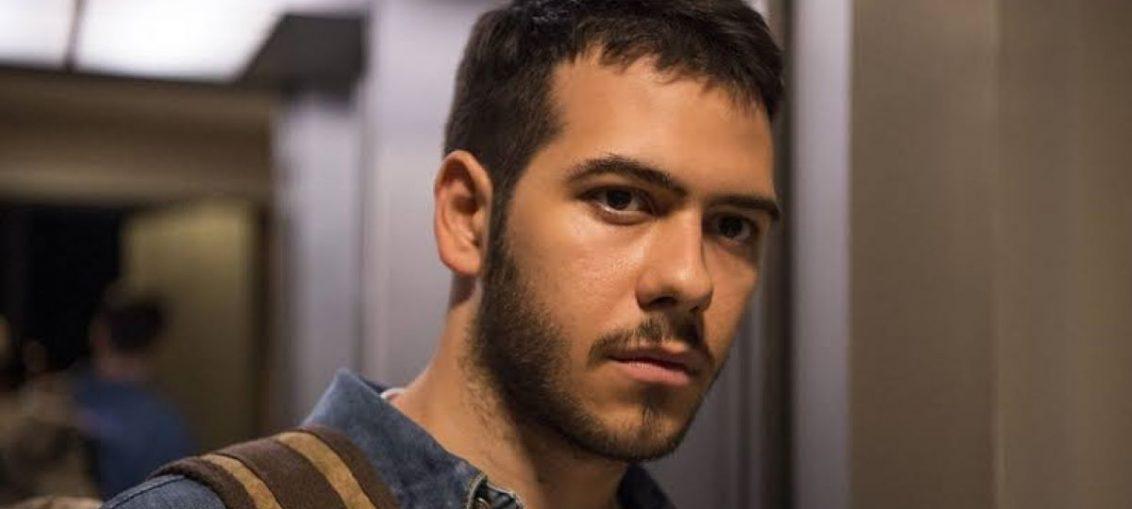 Vinicius (Antonio Benício) em Amor de Mãe (Reprodução / TV Globo)