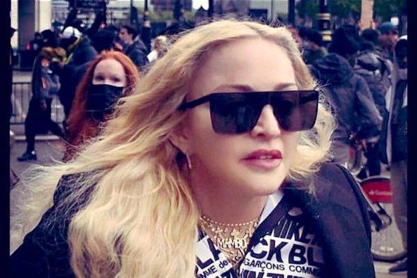 Madonna participa de protestos em Londres