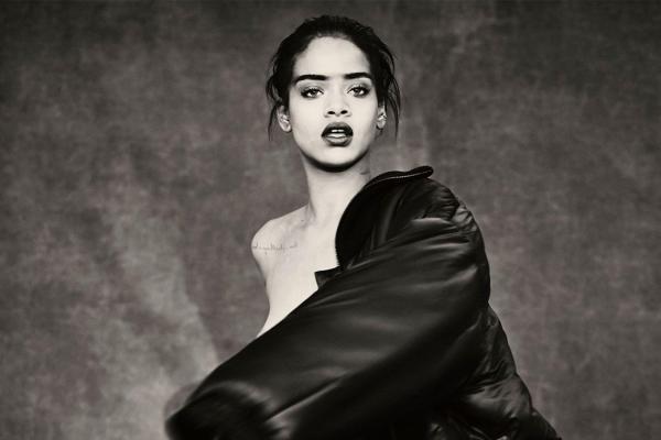 Rihanna agora tem sua discografia completamente Platinada!
