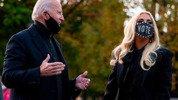 Lady Gaga comparece à comício de Joe Biden e rouba a cena