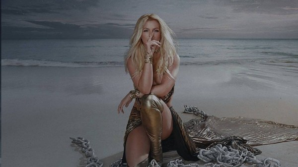 "Ouça trecho de ""Swimming In The Stars"", canção inédita de Britney Spears"