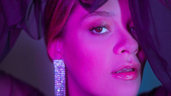 """Lorena Simpson lança novo single em inglês, """"Make Me Go"""" com Yinon Yahel"""