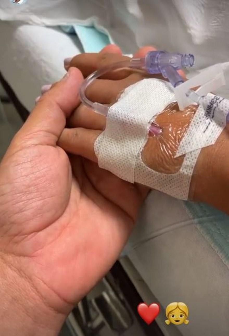 Kaká Diniz ficou ao lado de Simone na hora do parto (Foto: Reprodução Instagram)