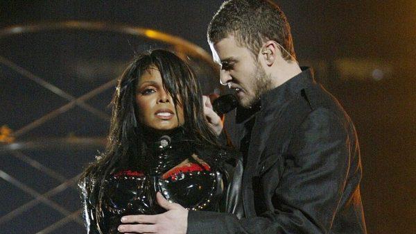 Janet Jackson e Justin Timberlake no Super Bowl - Imagem: Reprodução