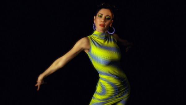 """Marina divulga trecho da faixa """"New America"""", canção faz parte do novo álbum da cantora"""