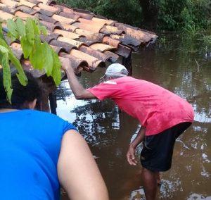 Em Santana de Pirapama, imóveis são atingidos pelo transbordamento do Rio Cipó
