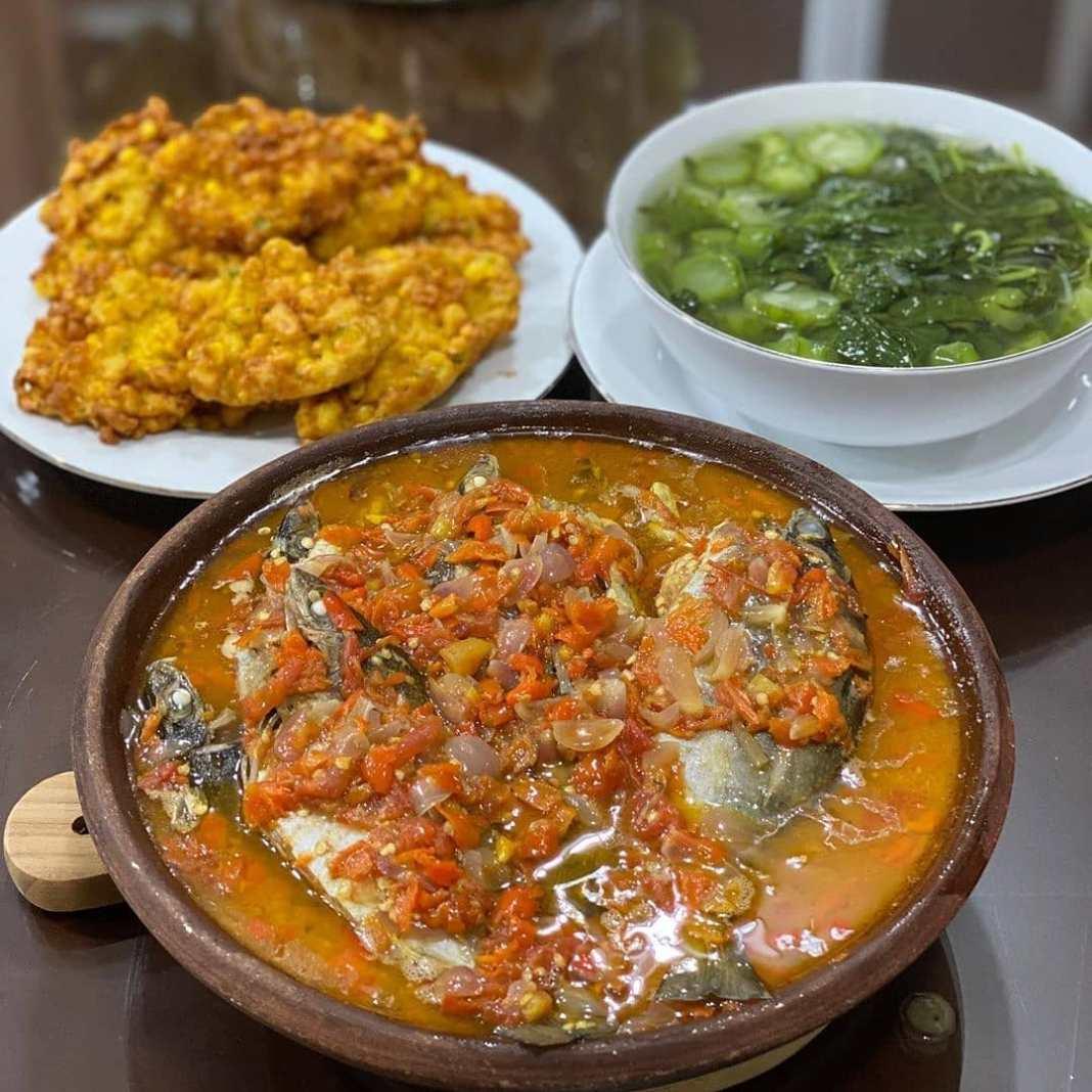 .  Menu Sehari-Hari Ala @lilik_indrayani_81  .  Siang tadi masak masakan khas da...