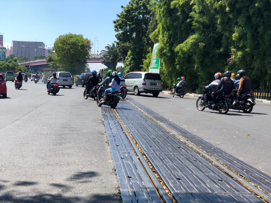 Jalur Rel KA di Jalan Stasiun Wonokromo Akan Diperbaiki, Jalan Putaran di Mayangkara Akan Ditutup Sementara
