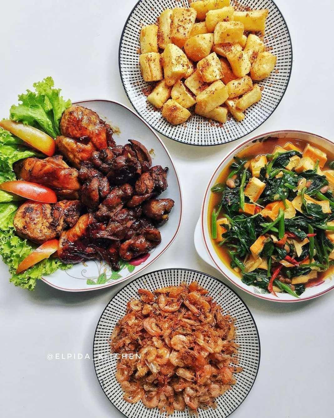 .  Menu Sehari-Hari Ala @elpida_kitchen  .  Semangat Pagi  Menu hari Rabu:   Aya...