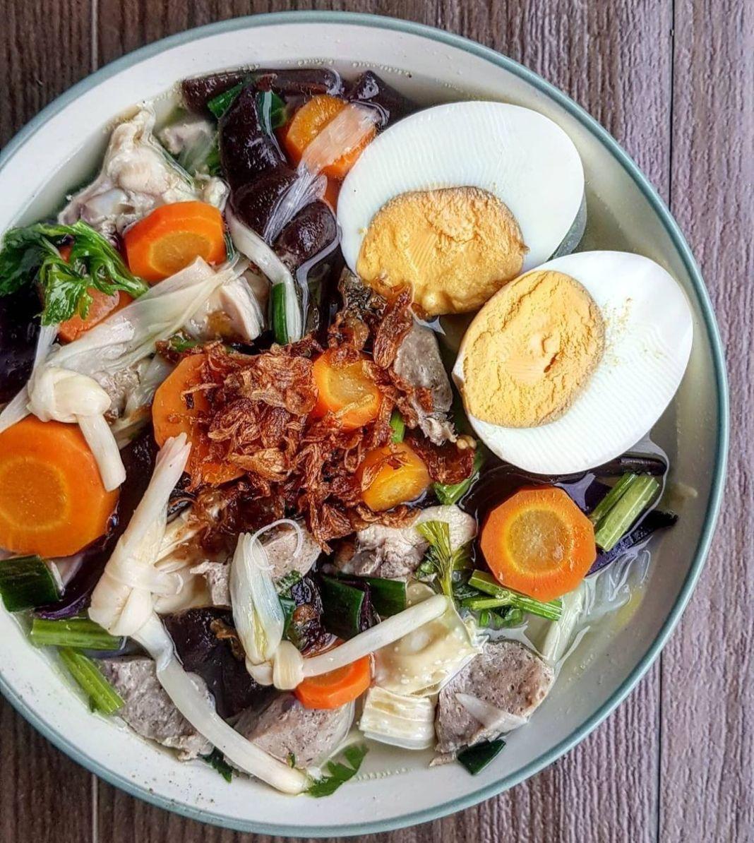 Info kuliner, Sup yang banyak ada di kondangan yuk, sekarang cobain bikin di rumah ya!  SUP KIMLO  Bahan : 3 …