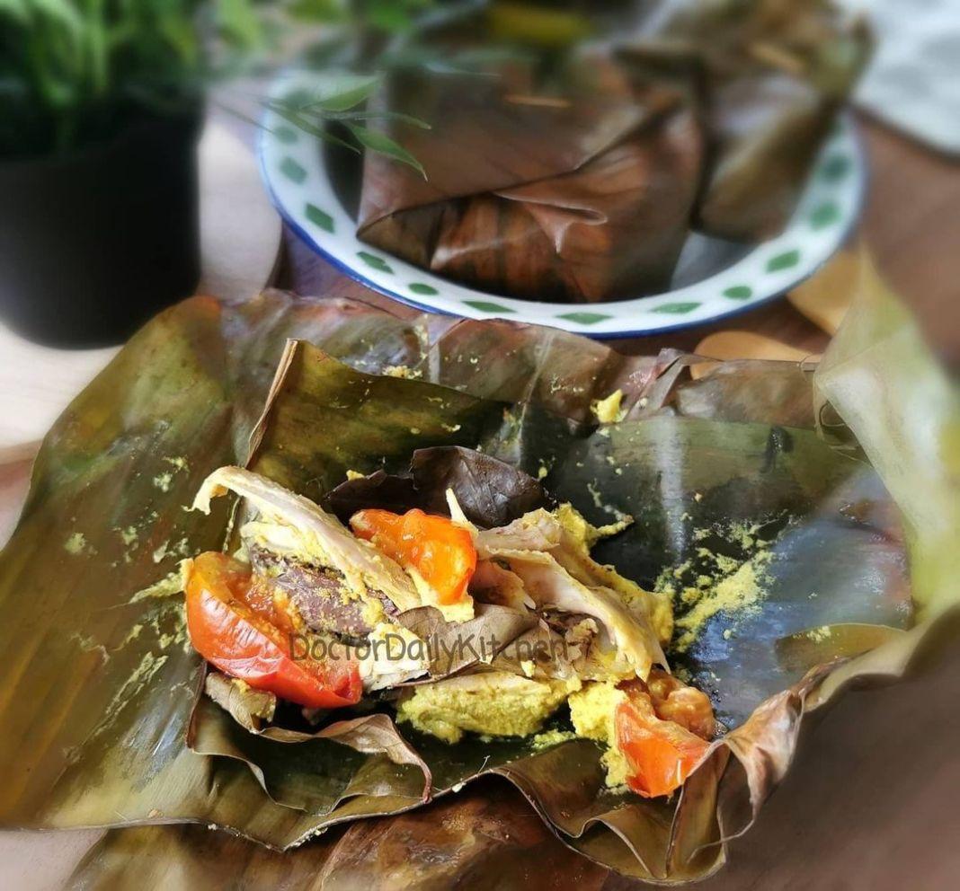 Info kuliner, Bikin pepes ayam bumbu kuning yuk, untuk buka puasa nanti! PEPES AYAM BUMBU KUNING  Bahan (untuk…