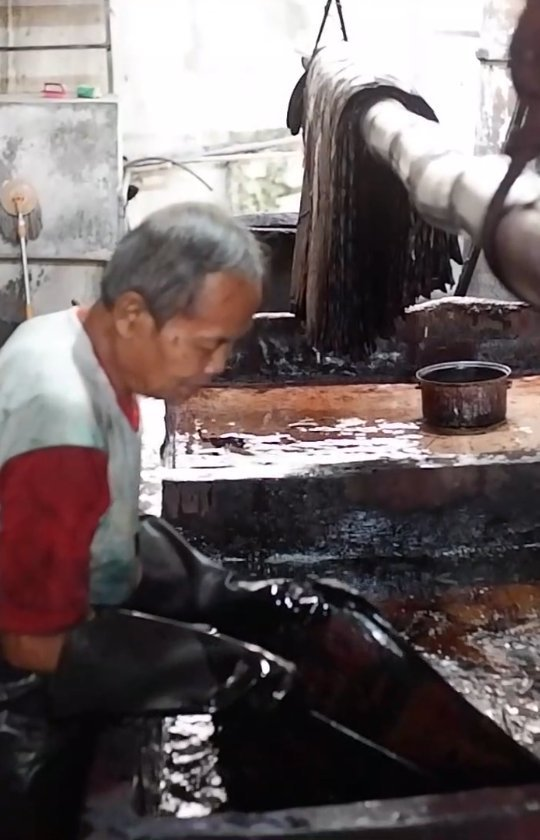 Batik telah diakui sebagai warisan budaya dunia yang berasal dari Indonesia oleh UNESCO pada 2 …