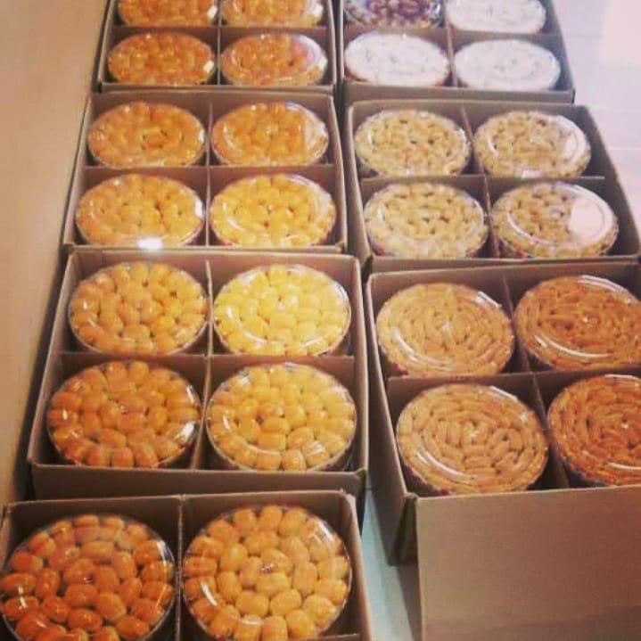 Ikutan dijejer yg rapi ya…biar nampak sibuknya :D  #kuekeringsurabaya #kuekeri…
