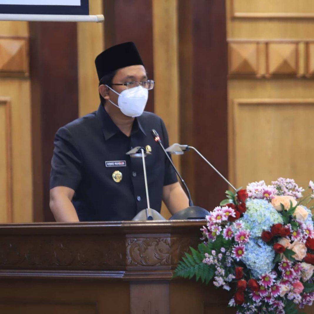 Rapat Paripurna DPRD Kabupaten Sidoarjo dengan agenda penyampaian jawaban bupati Sidoarjo atas …