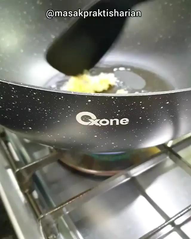 Info kuliner, Cah Nai Bai Yang penasaran, simak videonya yah  Bahan: Sawi Nai Bai Sawi Manis Udang Kue ikan/b…