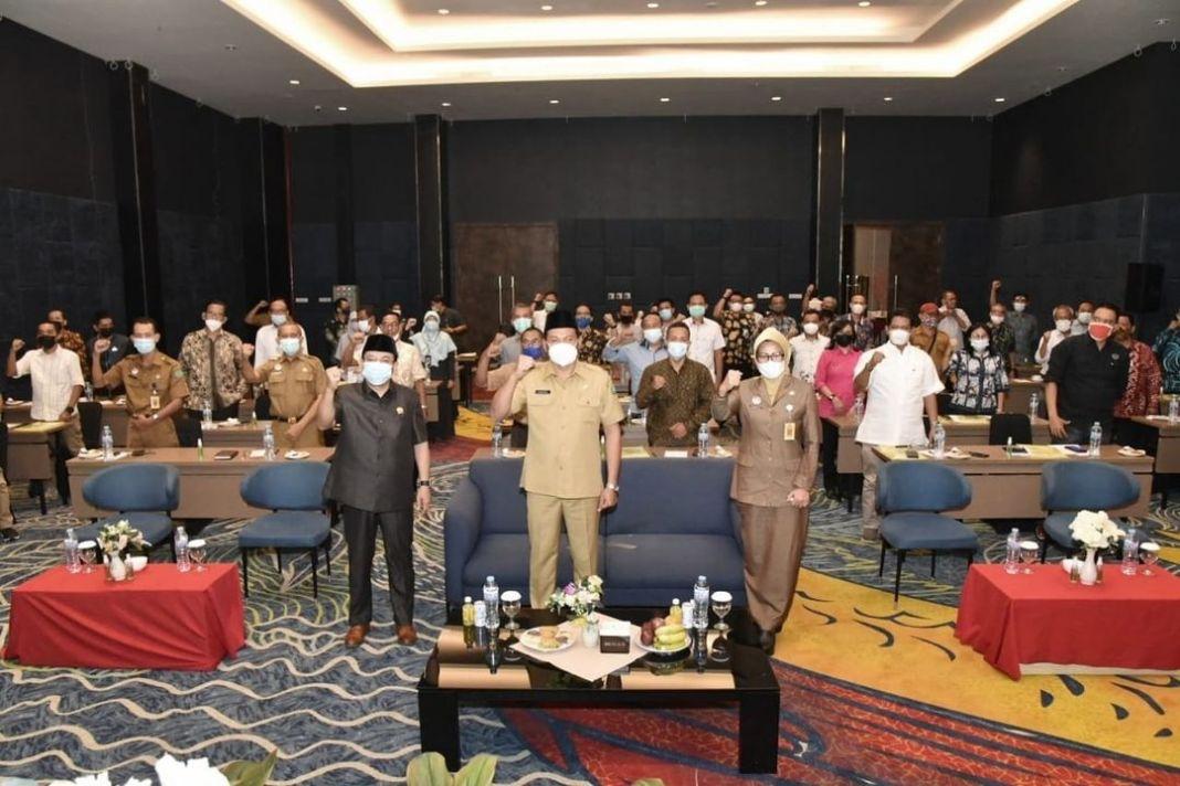 Wabup Subandi;  membuka Bimtek Penguatan Peran Fungsi LKS Tripartit, TDD,serta Dewan Pengupahan …