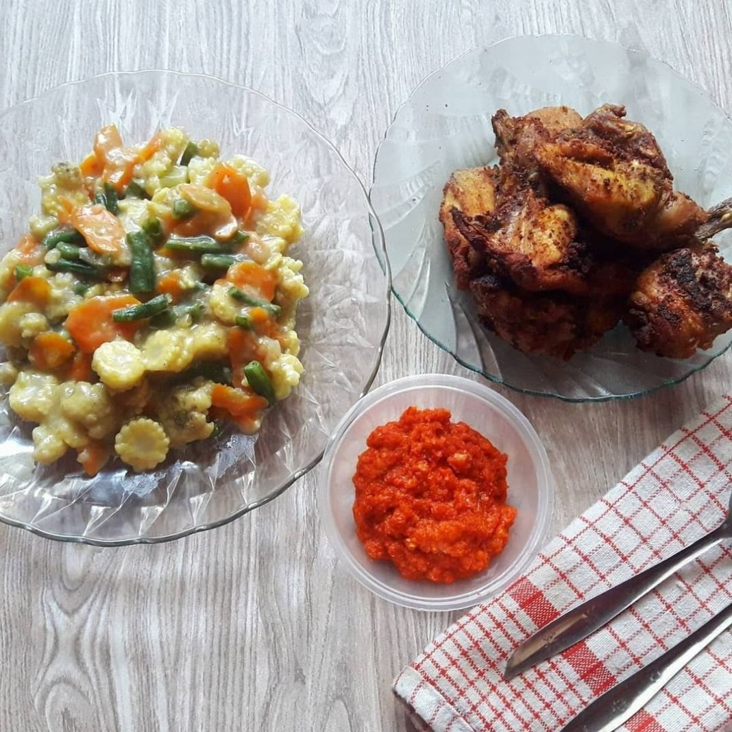 Info kuliner, MAKAN YUK !!!  Wah menu simple dapat untuk ide makan nanti malam nih, ditambah nasi hangat yang p…